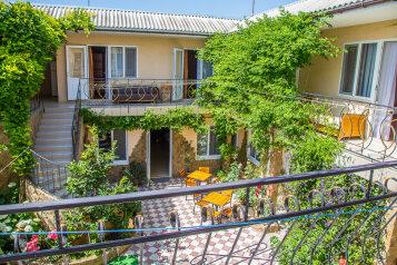 Отель, Черноморская улица, 53 на 16 номеров - Фотография 2
