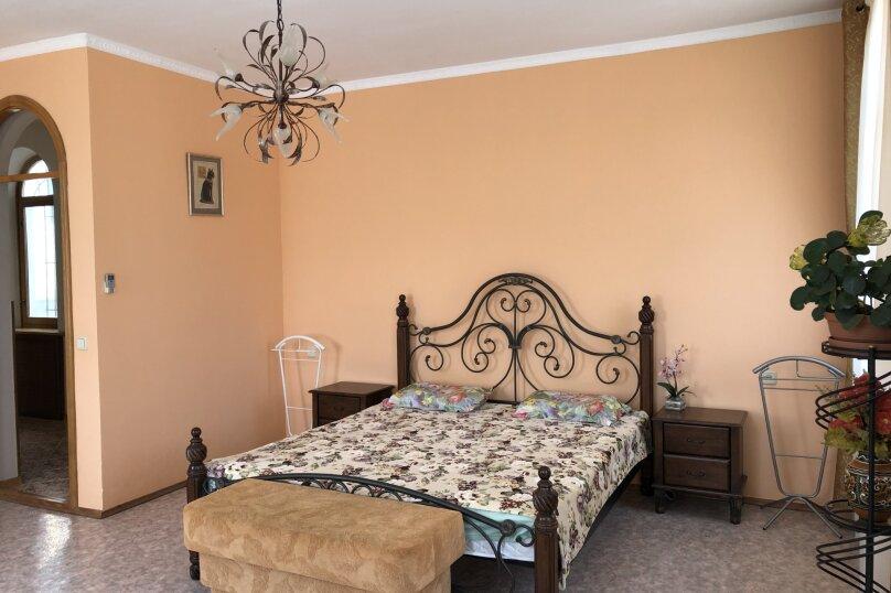 Номер в гостевом доме(3 этаж), улица Макаренко, 7, Ялта - Фотография 1