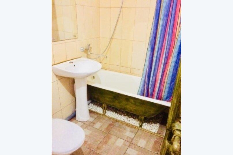 2-комн. квартира, 45 кв.м. на 5 человек, улица Черняховского, 22, Калининград - Фотография 11