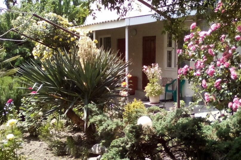 Гостевой дом , с. Малореченское, ул. Виноградная на 6 комнат - Фотография 9