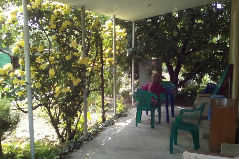 Гостевой дом , с. Малореченское, ул. Виноградная на 6 комнат - Фотография 15