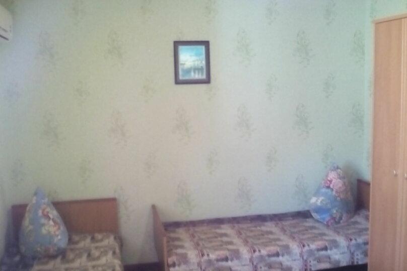 Гостевой дом , с. Малореченское, ул. Виноградная на 6 комнат - Фотография 19