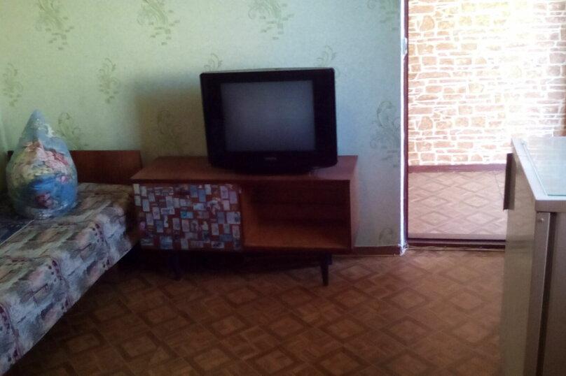 Гостевой дом , с. Малореченское, ул. Виноградная на 6 комнат - Фотография 22