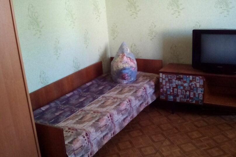Гостевой дом , с. Малореченское, ул. Виноградная на 6 комнат - Фотография 23