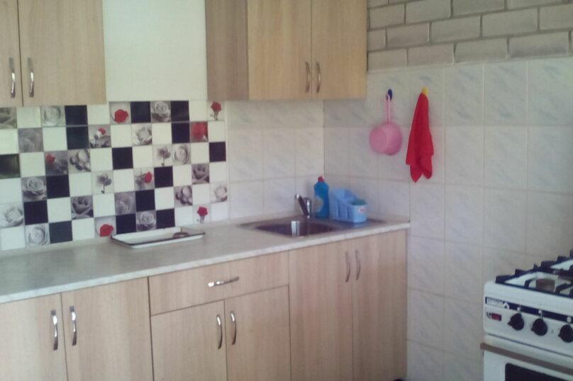 Гостевой дом , с. Малореченское, ул. Виноградная на 6 комнат - Фотография 33