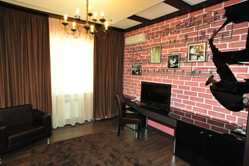 """Отель """"Music Hall"""", Революционная улица, 6 на 10 номеров - Фотография 9"""