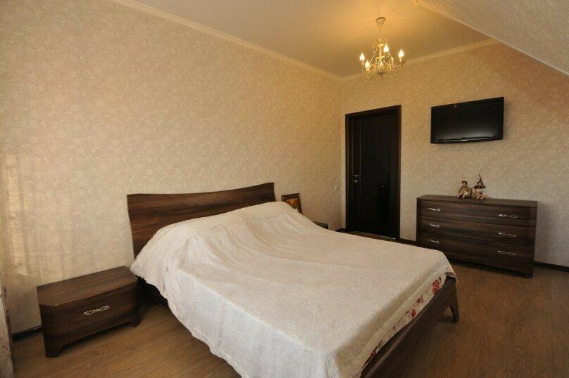 Дом для комфортного проживания, 120 кв.м. на 6 человек, 2 спальни, Советская улица, 66, Голубицкая - Фотография 5