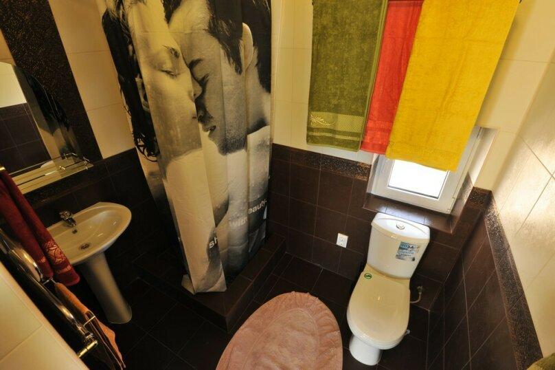 Дом для комфортного проживания, 120 кв.м. на 6 человек, 2 спальни, Советская улица, 66, Голубицкая - Фотография 10