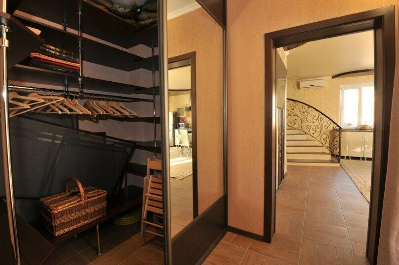 Дом для комфортного проживания, 120 кв.м. на 6 человек, 2 спальни, Советская улица, 66, Голубицкая - Фотография 12