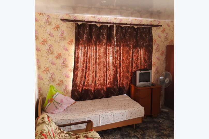 """Гостевой дом """"Южный"""", Южная, 4 на 3 комнаты - Фотография 12"""