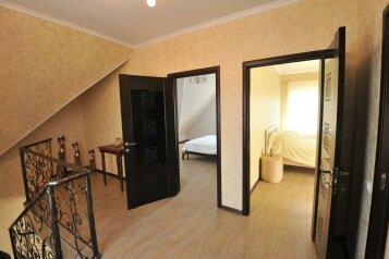 Дом для комфортного проживания, 120 кв.м. на 6 человек, 2 спальни, Советская улица, 66, Голубицкая - Фотография 2