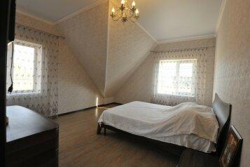 Дом для комфортного проживания, 120 кв.м. на 6 человек, 2 спальни, Советская улица, 66, Голубицкая - Фотография 3