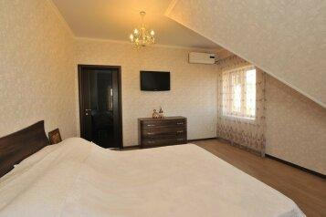 Дом для комфортного проживания, 120 кв.м. на 6 человек, 2 спальни, Советская улица, 66, Голубицкая - Фотография 4