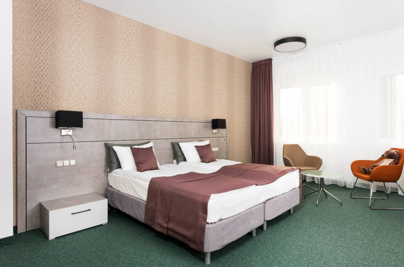 Комфорт 1 двуспальная / 2 односпальные кровати, Саратовская улица, 2А, Зеленоградск - Фотография 1