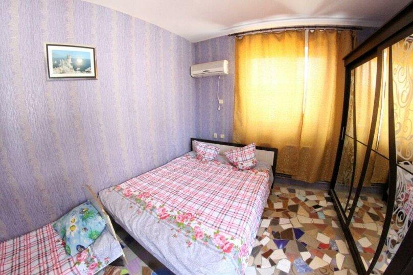 """Гостевой дом """"На 14 Апреля 15"""", улица 14 Апреля, 15 на 16 комнат - Фотография 32"""