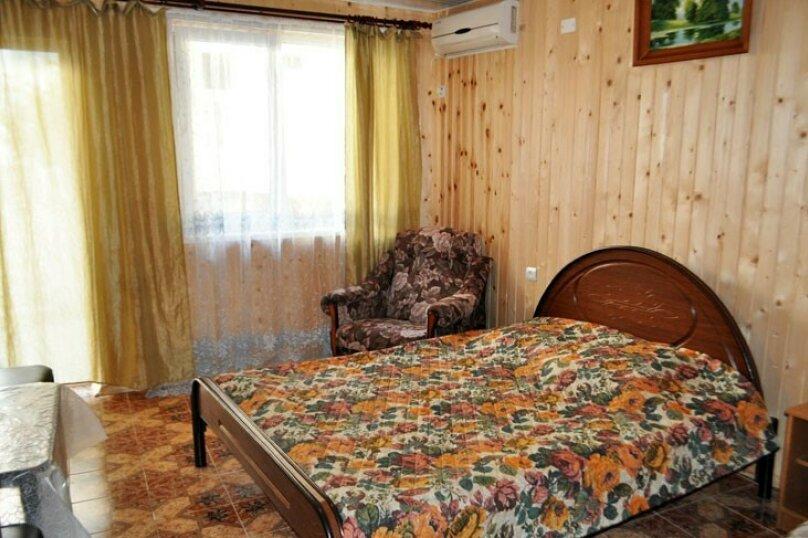 """Гостевой дом """"У Роберта"""", Весенняя улица, 26 на 10 комнат - Фотография 8"""