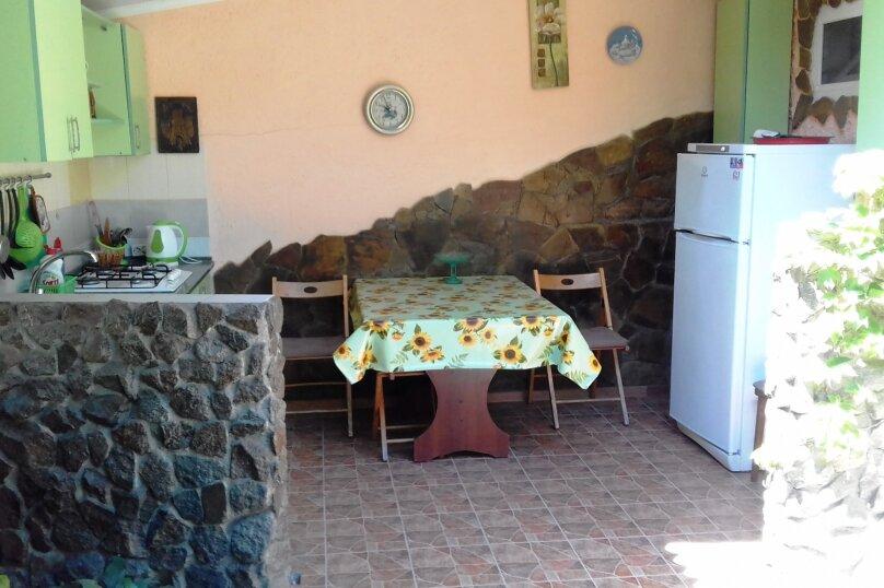 2 гостевых домика  , улица Строителей, 4 на 2 номера - Фотография 7