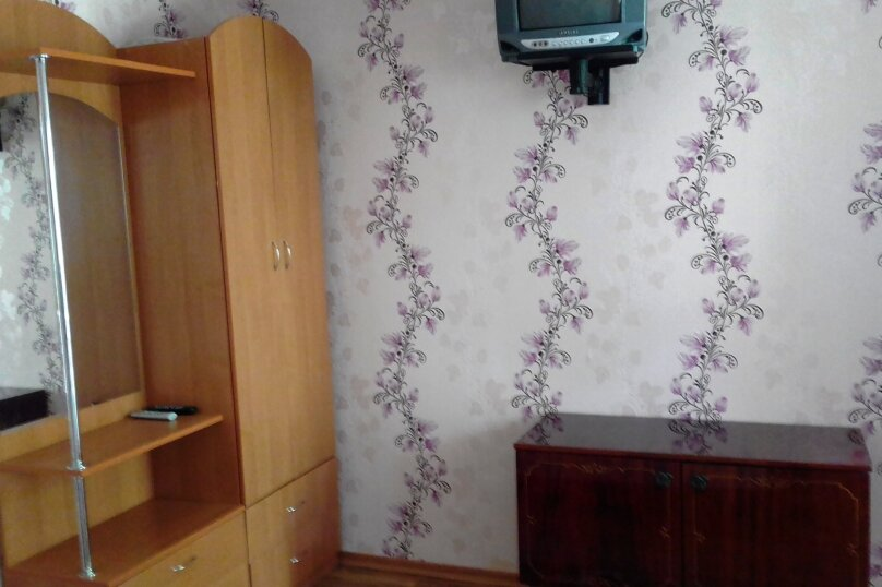 2 гостевых домика  , улица Строителей, 4 на 2 номера - Фотография 11