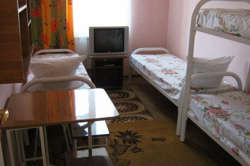 Стандарт, 4-местный, 1-комнатный, улица Мира, 26, Ейск - Фотография 1