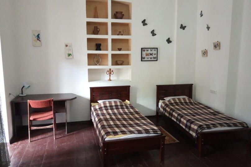 1-комн. квартира, 50 кв.м. на 4 человека, улица Геронтия Кикодзе, 3, Тбилиси - Фотография 9