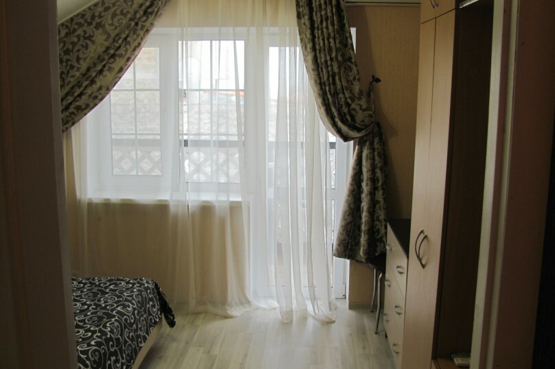 """Гостевой дом """"Катталея"""", улица Ленина, 149А на 3 комнаты - Фотография 18"""
