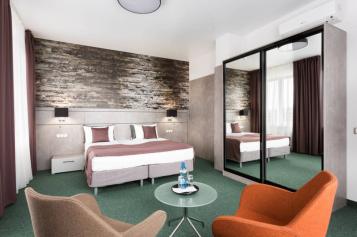*Комфорт-плюс 2 односпальные кровати:  Номер, 3-местный (2 основных + 1 доп), Бутик-отель, Саратовская улица, 2А на 10 номеров - Фотография 3