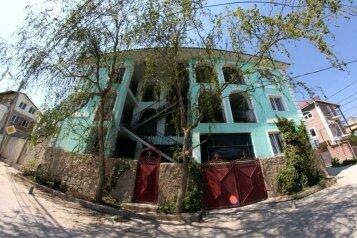 Гостевой дом, улица 14 Апреля на 16 номеров - Фотография 1