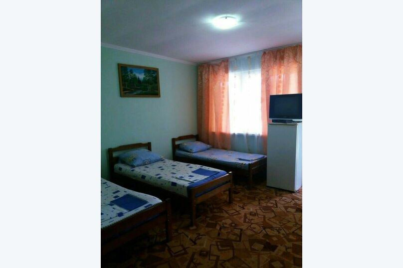 Комфорт 3-х местный, с тремя односпальными кроватями, Рыбзаводская, 42а, Пицунда - Фотография 5