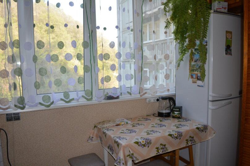 2-комн. квартира, 60 кв.м. на 7 человек, улица Победы, 124А, Лазаревское - Фотография 17