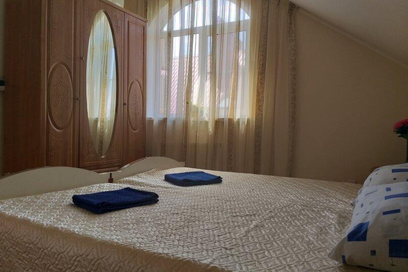 """Гостевой дом """"На Общинной 51"""", Общинная улица, 51 на 3 комнаты - Фотография 17"""