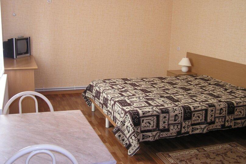 Дом в Пересыпи, улица Бондаревой, 39 на 9 комнат - Фотография 2