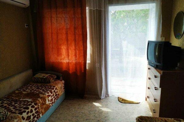 Эконом номера, улица Калинина, 214 на 3 номера - Фотография 1