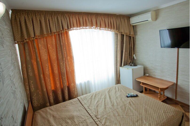Двухместный номер с 1 кроватью и балконом, улица Шевченко, 202А, Анапа - Фотография 1