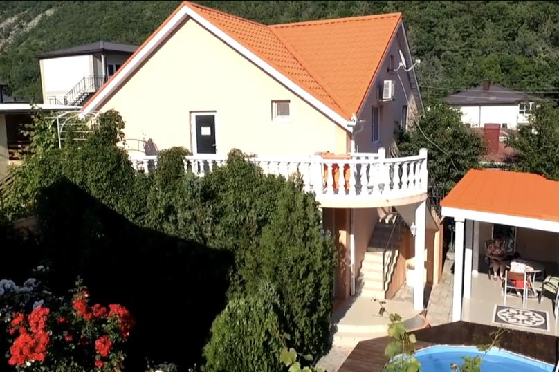 """Гостевой дом """"Абрикос"""", Виноградарь, 60 на 9 комнат - Фотография 1"""