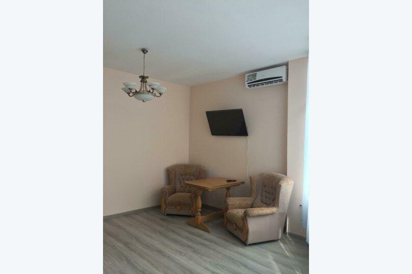 2-комн. квартира, 70 кв.м. на 4 человека, улица Тимирязева, 14, Ялта - Фотография 1
