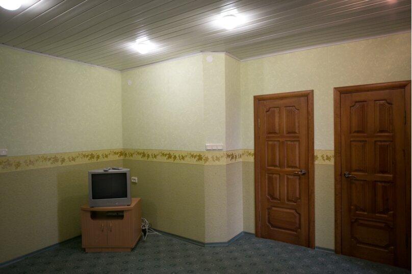 Семейный двухкомнатный без балкона на 3-м этаже, Штормовая, 13-а, Евпатория - Фотография 3