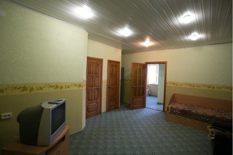 Семейный двухкомнатный без балкона на 3-м этаже, Штормовая, 13-а, Евпатория - Фотография 4