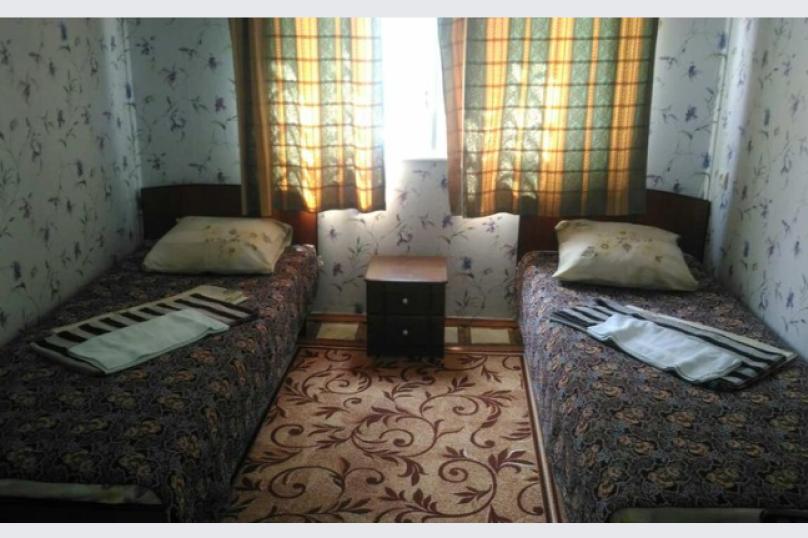 Дом-2: 1 этаж, 2-х местный номер, Набережная улица, 24в, Алушта - Фотография 1