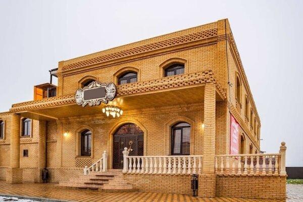 Гостиница, улица Энтузиастов, 2 на 12 номеров - Фотография 1