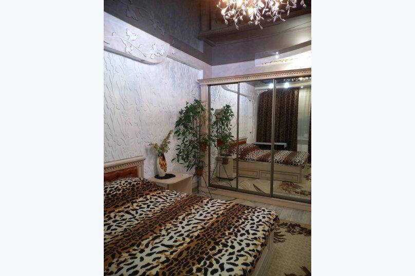 1-комн. квартира, 38 кв.м. на 3 человека, --, --, Севастополь - Фотография 1