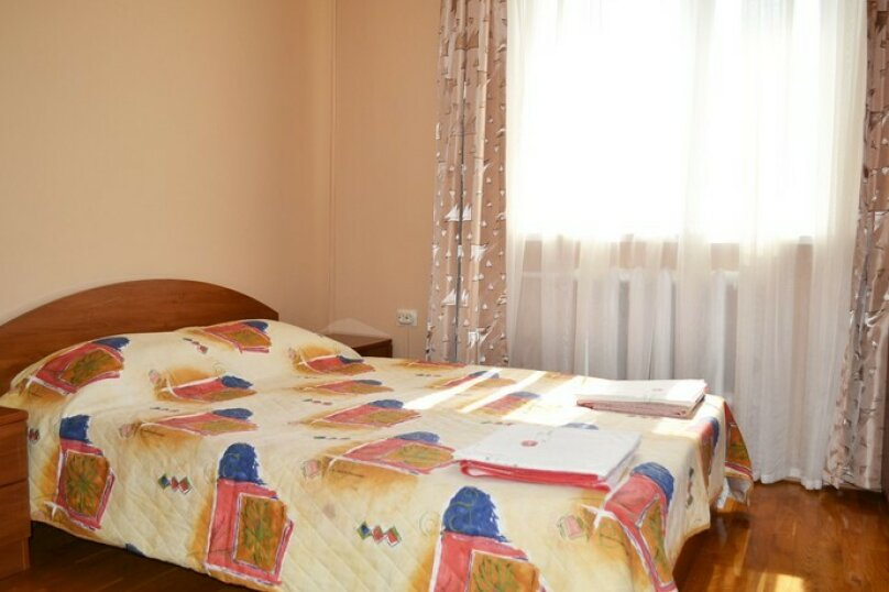 """Гостевой дом """"Уютный дворик"""", Таманская улица, 11Б на 10 комнат - Фотография 11"""
