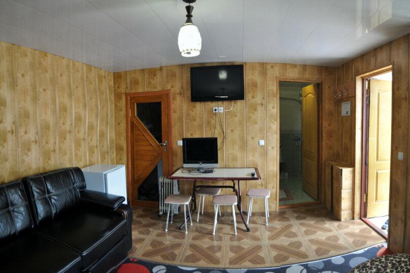 """Гостевой дом """"На Джихана Челеби 15"""", улица Джихана Челеби, 15 на 4 комнаты - Фотография 23"""
