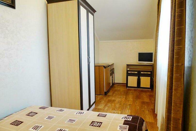 2х местная комната с двухспальной кроватью, Розы Люксембург , 17, Севастополь - Фотография 1