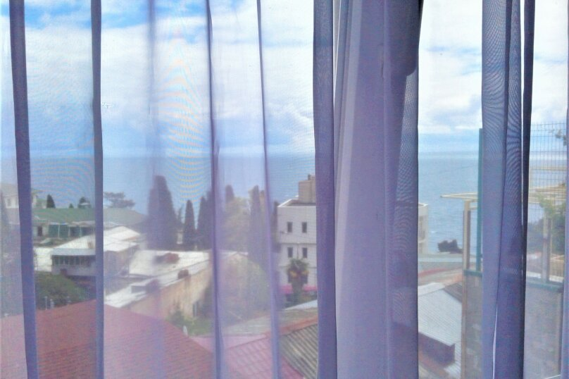 Коттедж в частном секторе с видом на море рядом с Массандровским пляжем, 16 кв.м. на 2 человека, переулок Толстого, 5, Ялта - Фотография 13