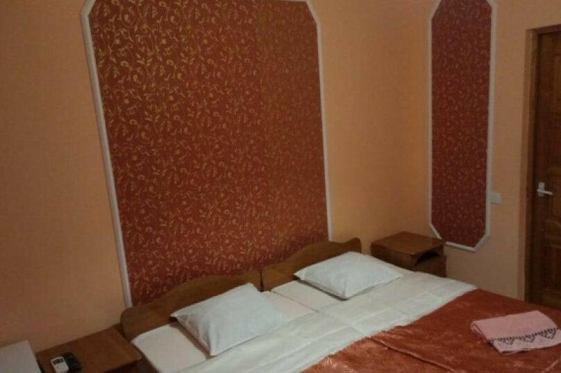 Стандарт, до 3 спальных мест. Номер на первом или втором этаже с кондиционером и удобствами в номере, улица Черешневая, 39, Дедеркой - Фотография 1