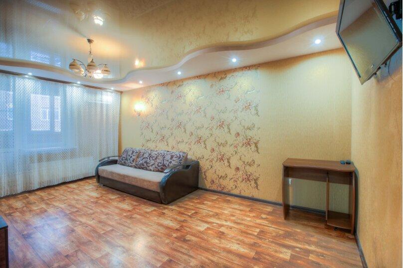2-комн. квартира, 80 кв.м. на 5 человек, улица Димитрова, 27, Воронеж - Фотография 2