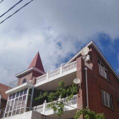 Гостиничный дом, улица Циолковского, 25 на 6 номеров - Фотография 1