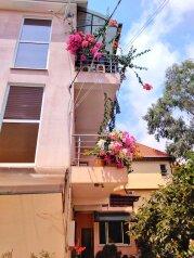 Гостевой дом, Взлетная улица на 10 номеров - Фотография 1