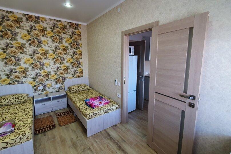 """Гостевой дом """"На Морской 2"""", Морская улица, 2 на 3 комнаты - Фотография 23"""