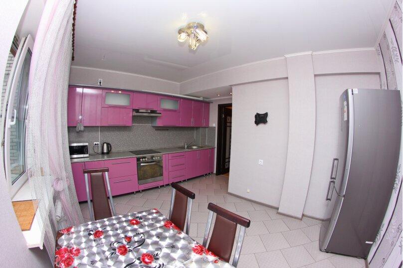 2-комн. квартира, 65 кв.м. на 4 человека, улица Кропоткина, 5, Воронеж - Фотография 1